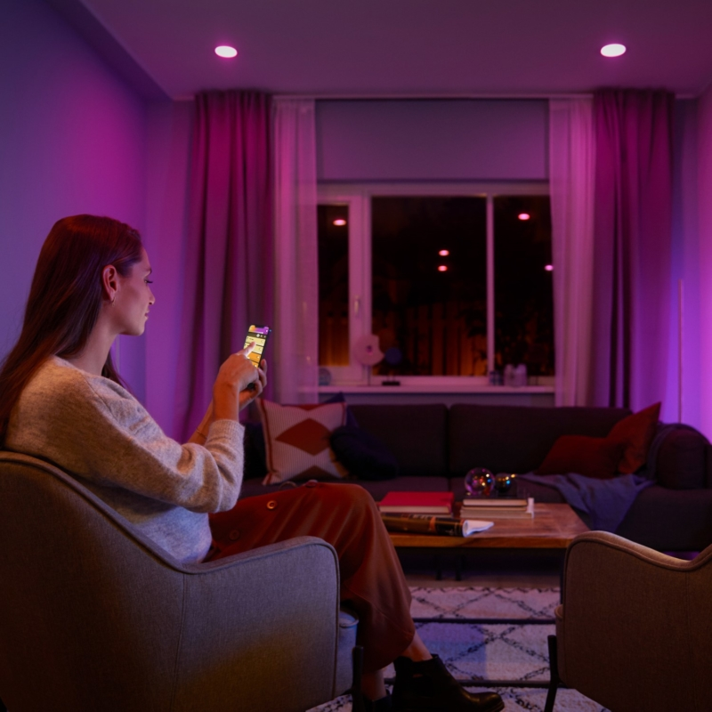 Phillips Hue 929001953101 lifestyle 1