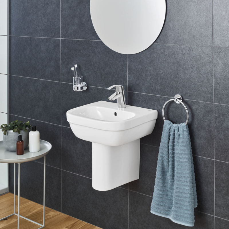 Grohe Eurosmart Single Lever S-Size Basin Mixer Tap Chrome with Pop-Up Waste Set 32926002 lifestyle 2