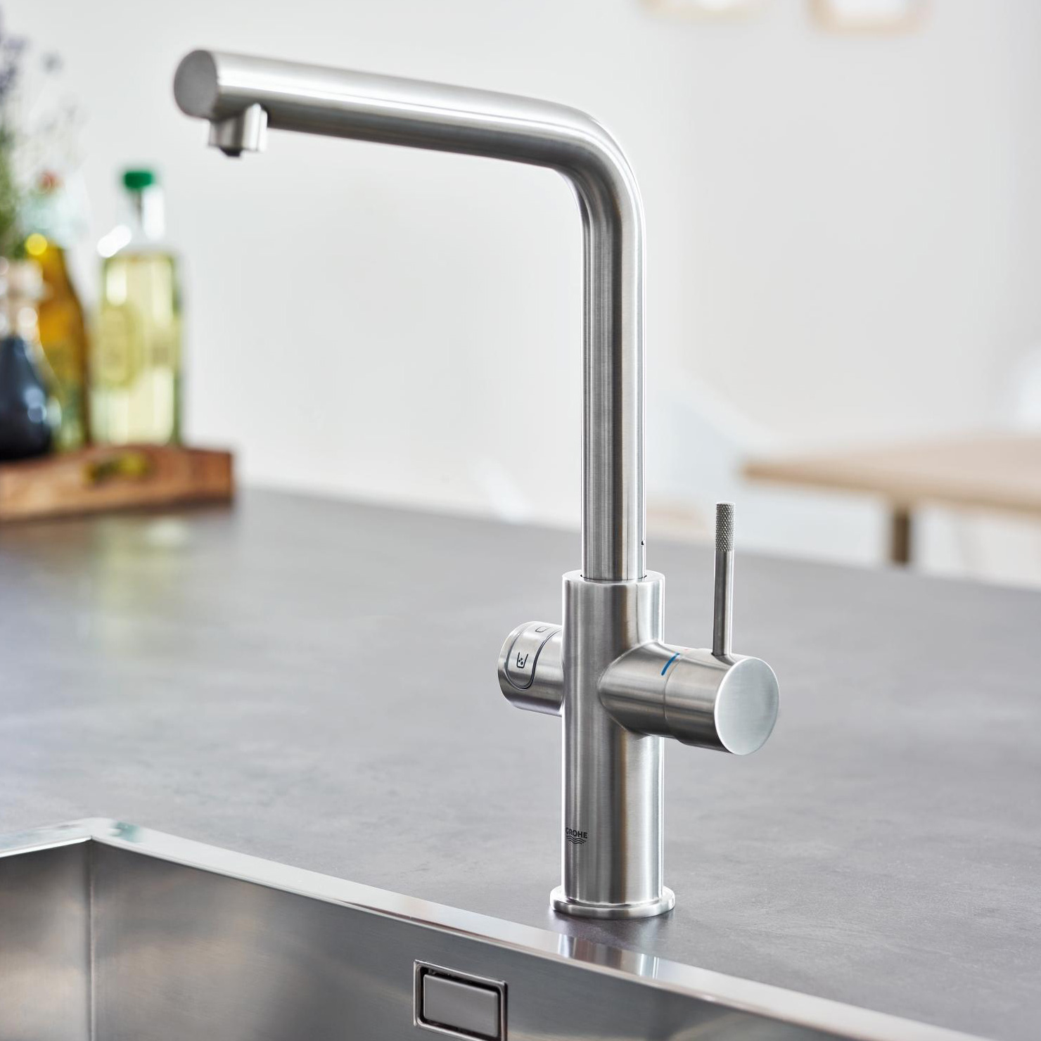 grohe blue home l spout swivel 150 chrome kitchen mixer tap. Black Bedroom Furniture Sets. Home Design Ideas