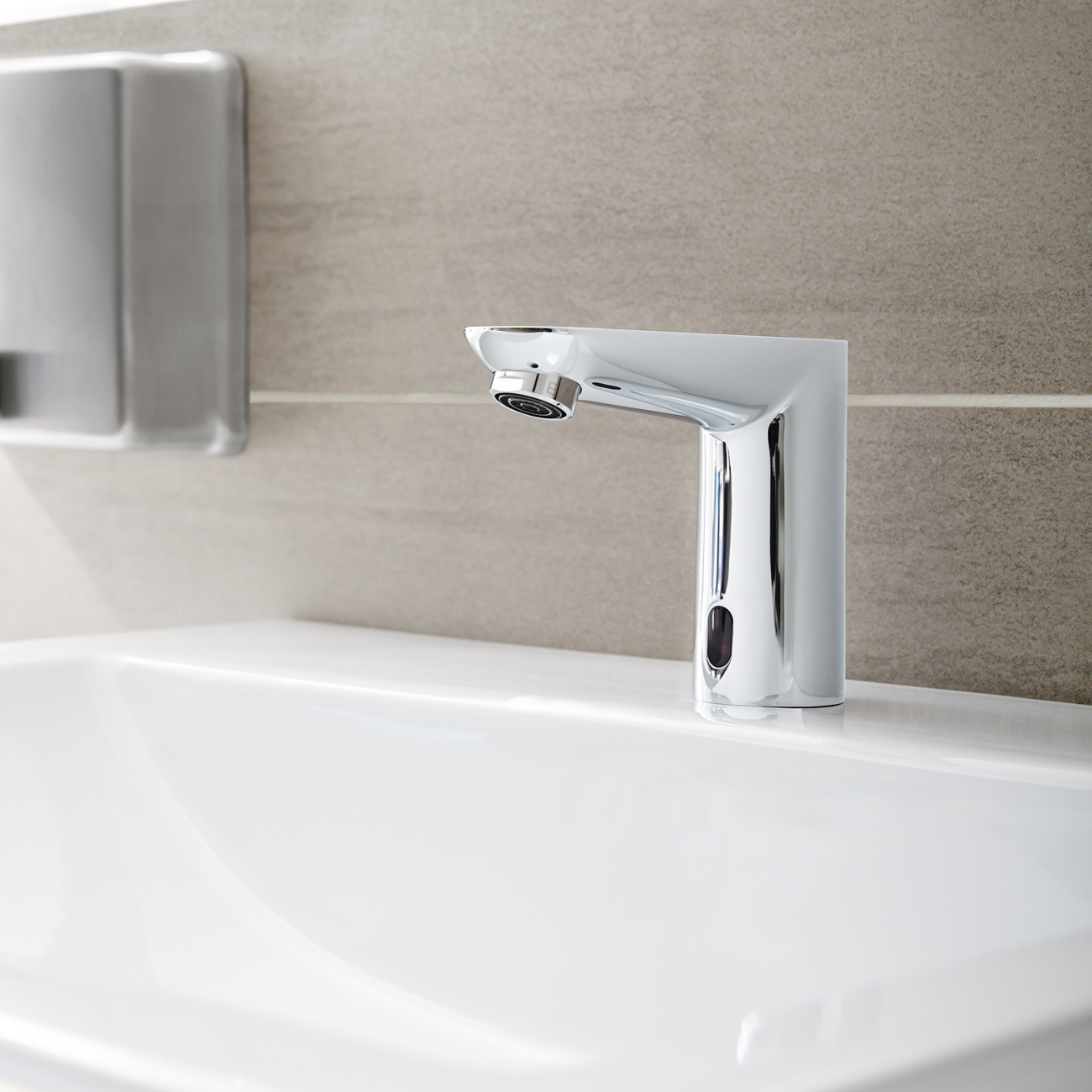 Grohe Euroeco Cosmopolitan E Electronic Battery Powered