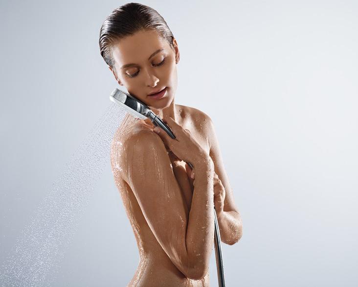 hansgrohe Crometta 100 Vario EcoSmart Hand Shower 9lpm in Situ