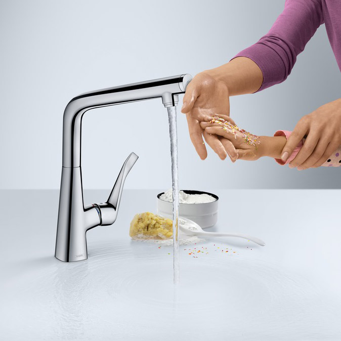 hansgrohe Metris Select Single Lever Swivel Spout 320 Chrome Kitchen Mixer Dimensions in Use