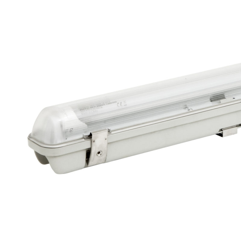 52430 | 52434 Verbatim LED Batten Luminaire Single Fitting IP65 Zoomed