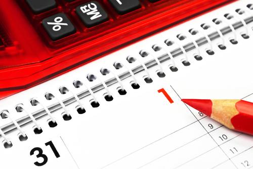 Image of calendar and calculator illustrating SaveMoneyCutCarbon energy saving blog post