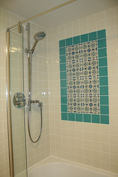 Oxford Green House  water-saving Hansgrohe Shower